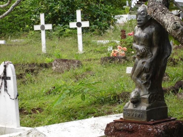 Oviri figure on Gauguin's grave in Atuona.